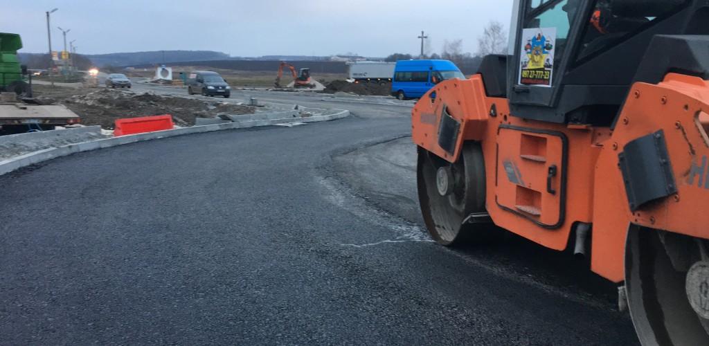 Асфальтирование  дорог  и магистралей 0